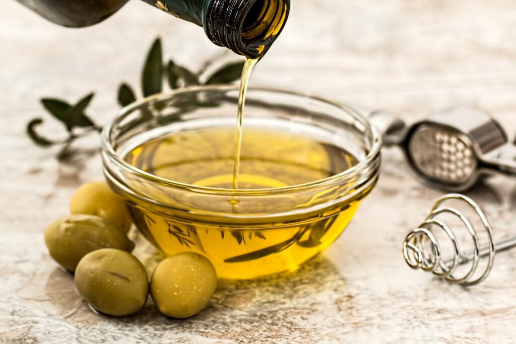 USING GRAPE SEED OIL FOR HAIR